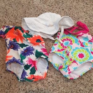 Baby girl swimsuit and hat